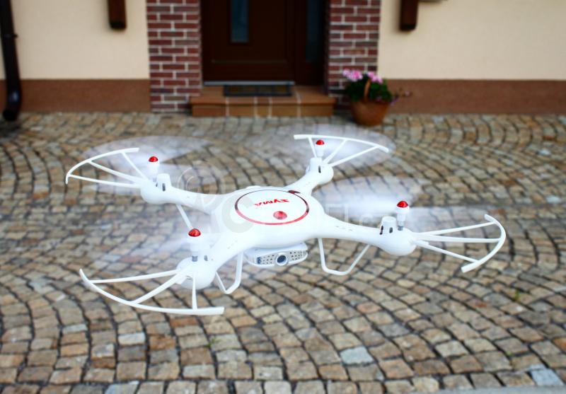 Dron Syma X5UW-D, bílá + náhradní baterie