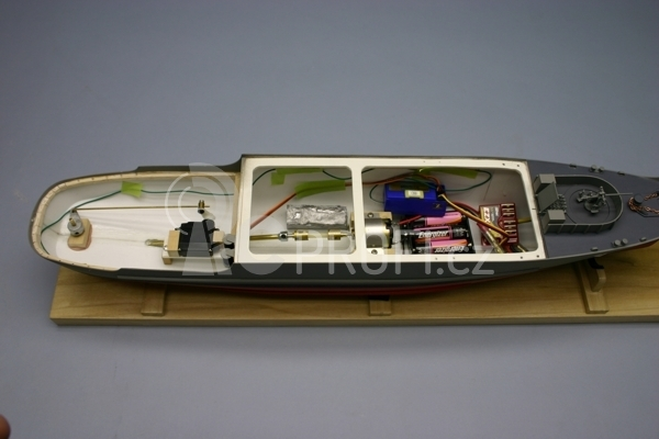 RC loď USS Whitehall A